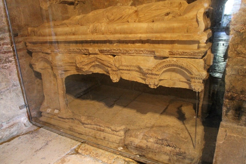 The Secret Tomb Of St. Nicholas 1