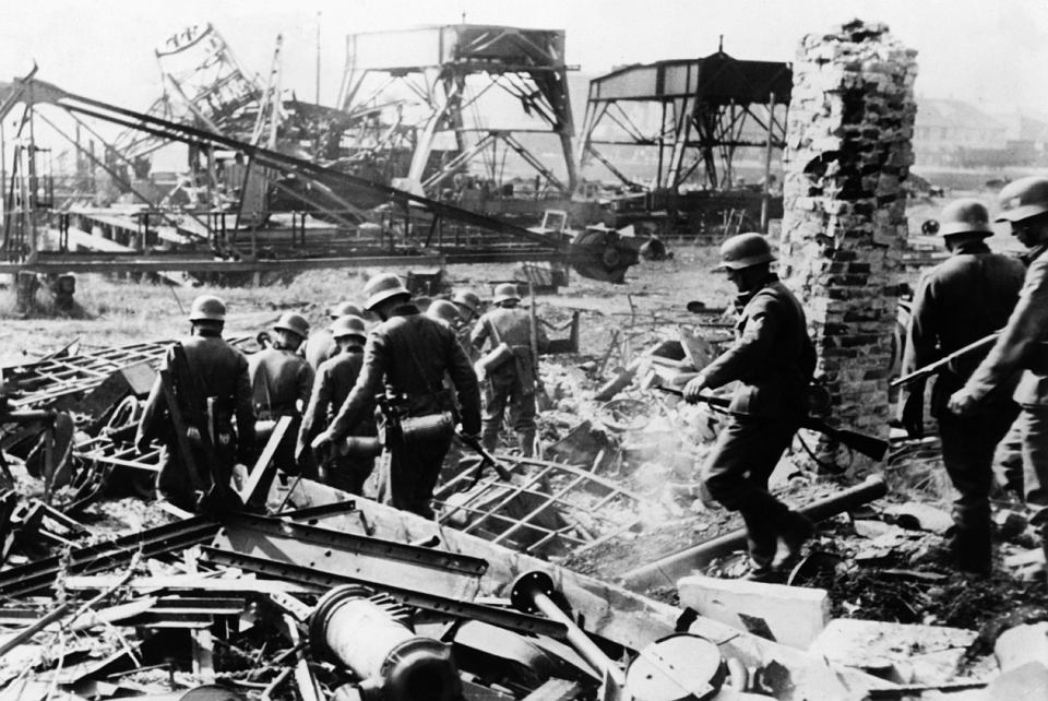 World War II Stories : The Resistance At Westerplatte
