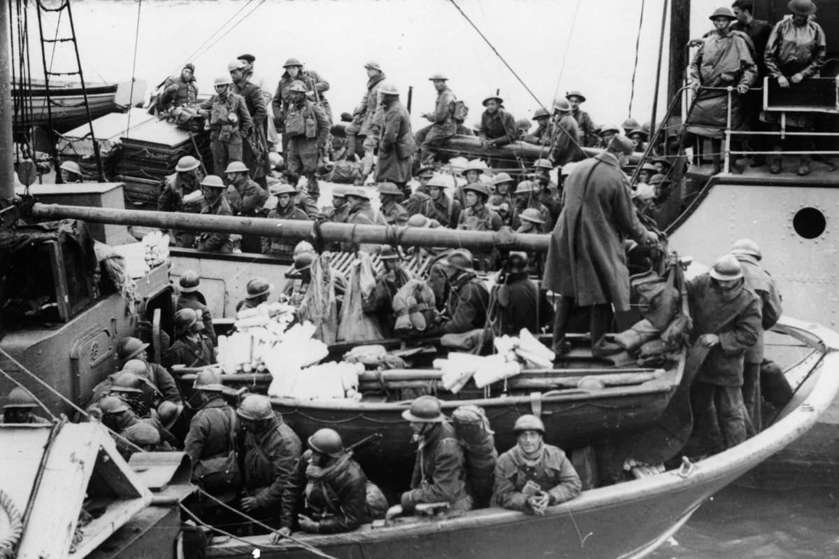 British and French soldiers arrive safely at a British port
