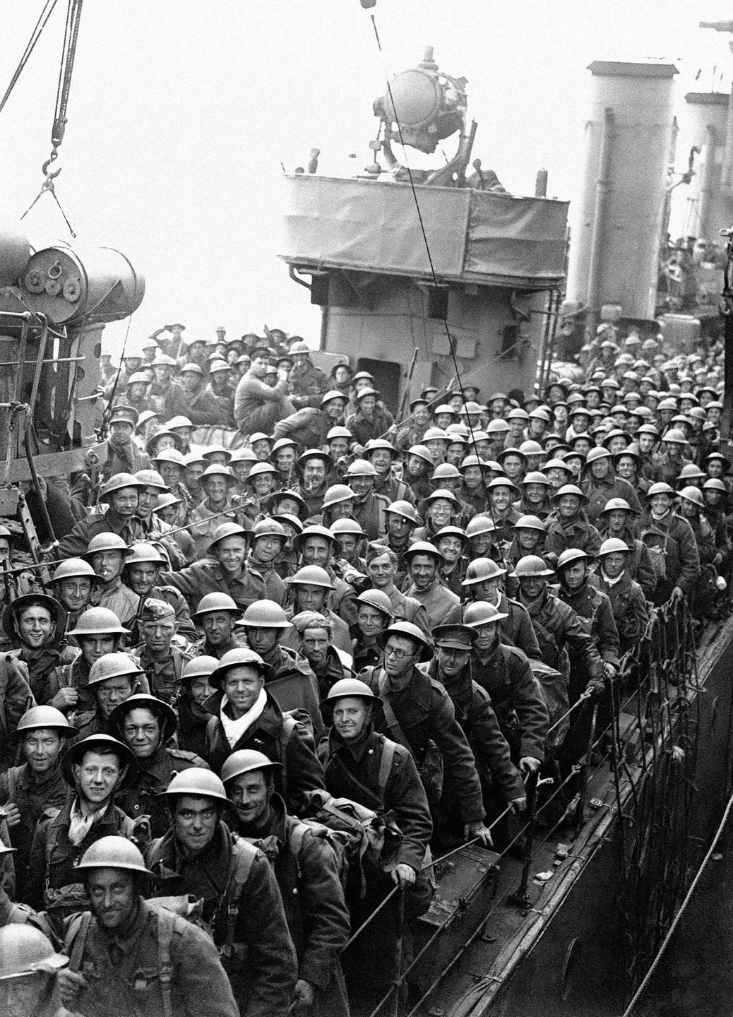 British Expeditionary Forces safely arrive back in England