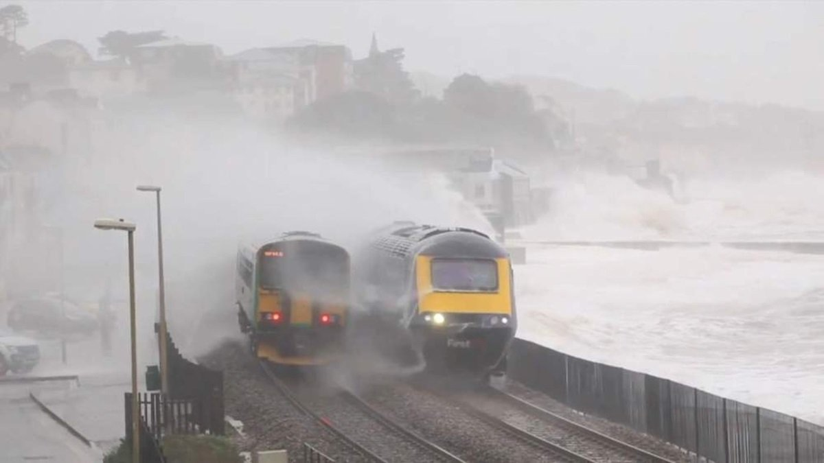 dangerous railways Dawlish Railway